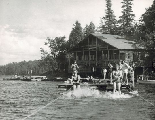 BLC Waterskiing 50s sm